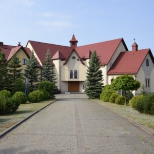 Chrzanów, Parafia Świętej Rodziny