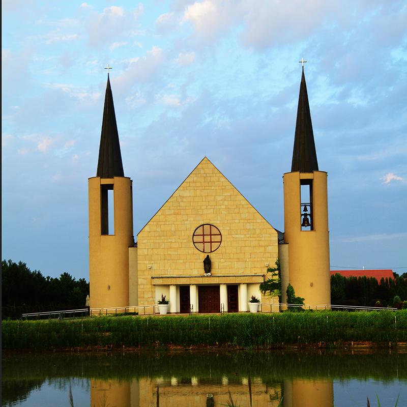 Niepołomice-Jazy, Parafia Matki Bożej Różańcowej