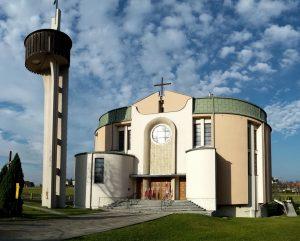 Płaza, Parafia Podwyższenia Krzyża Świętego