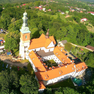Alwernia, Parafia Stygmatów św. Franciszka