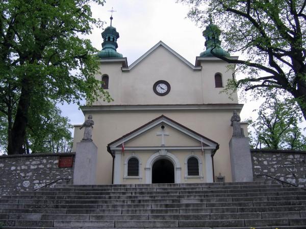 Czernichów, Parafia Przenajświętszej Trójcy