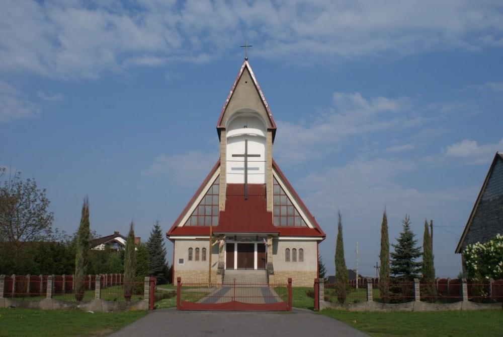 Jeziorzany, Parafia Miłosierdzia Bożego