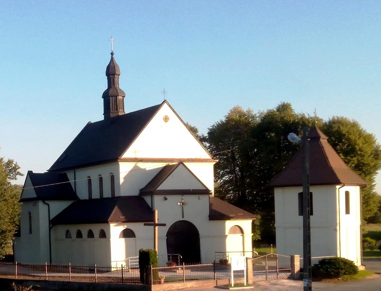 Pobiednik Mały, Parafia św. Wojciecha Biskupa i Męczennika