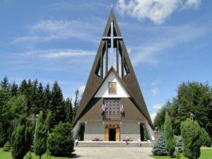 Czerwienne – Bachledówka, Parafia Matki Bożej Częstochowskiej