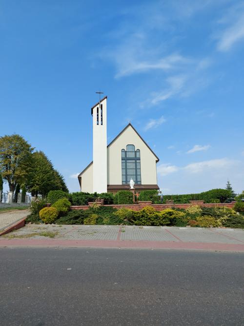 Zawada, Parafia Podwyższenia Krzyża Świętego