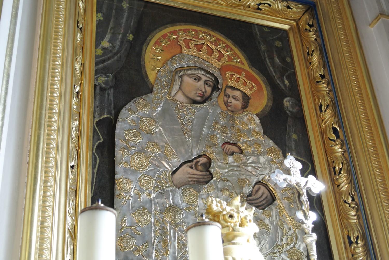 Kard. Stanisław Dziwisz: Tylko Jezus może odpowiedzieć na najgłębsze pragnienia serca. Bierzmowanie w parafii pw. św. Jakuba w Sance.