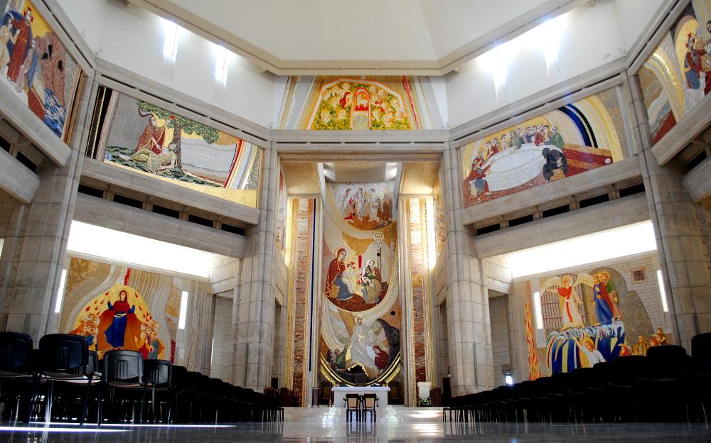 Kościół stacyjny – Sanktuarium św. Jana Pawła II