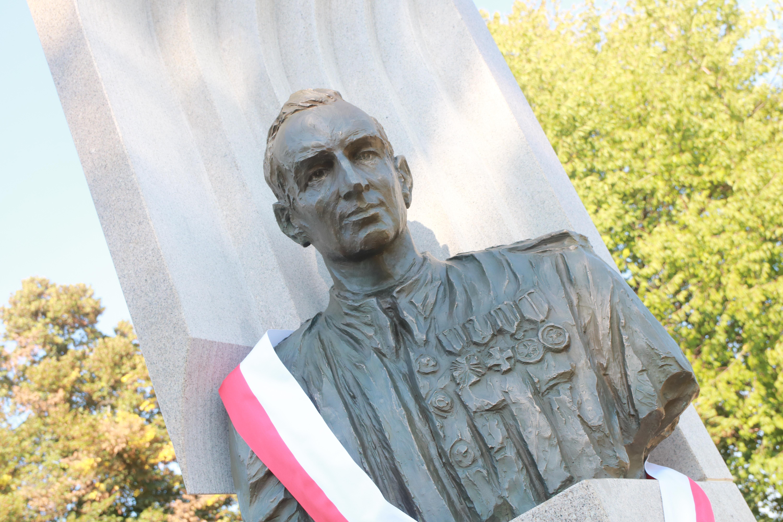 Odsłonięto pomnik Witolda Pileckiego w Oświęcimiu
