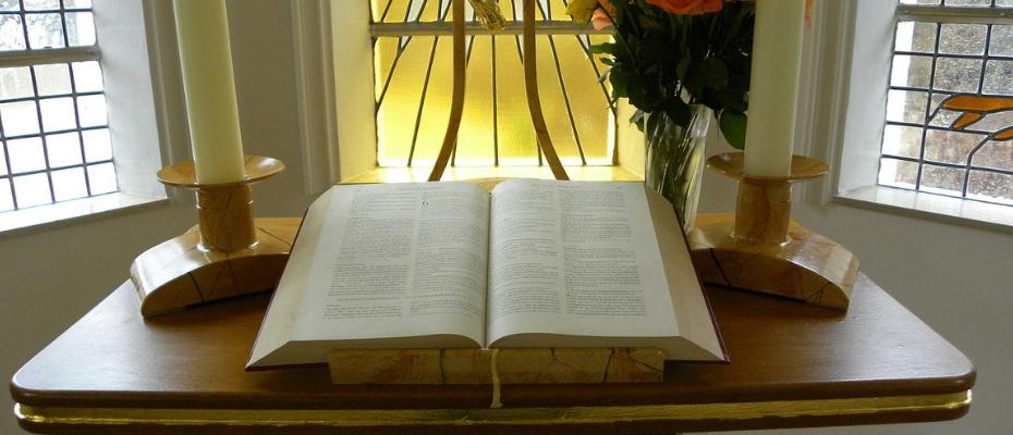 """O tym jak modlić się liturgią na rekolekcjach """"Mysterium fascinans"""""""