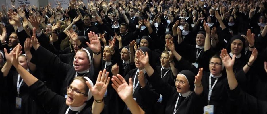 Prefekt Kongregacji ds. Instytutów Życia Konsekrowanego: Kościół jest w momencie nawrócenia