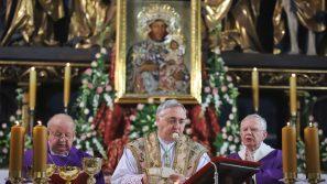 50. rocznica koronacji kopii obrazu Matki Bożej Częstochowskiej w Bazylice Mariackiej