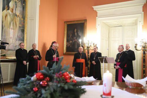 Ogłoszenie nominacji kanonickich podczas spotkania opłatkowego dla kapłanów