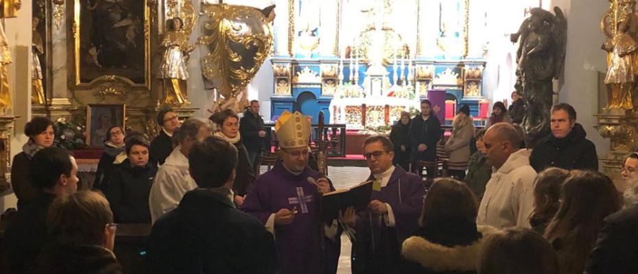 Bp Muskus do katechumenów: w Kościele najważniejsza jest miłość, a nie struktury i przywileje