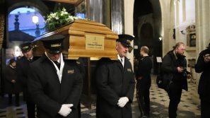 Żałobna Msza św. z importą śp. biskupa Tadeusza Pieronka do Katedry na Wawelu