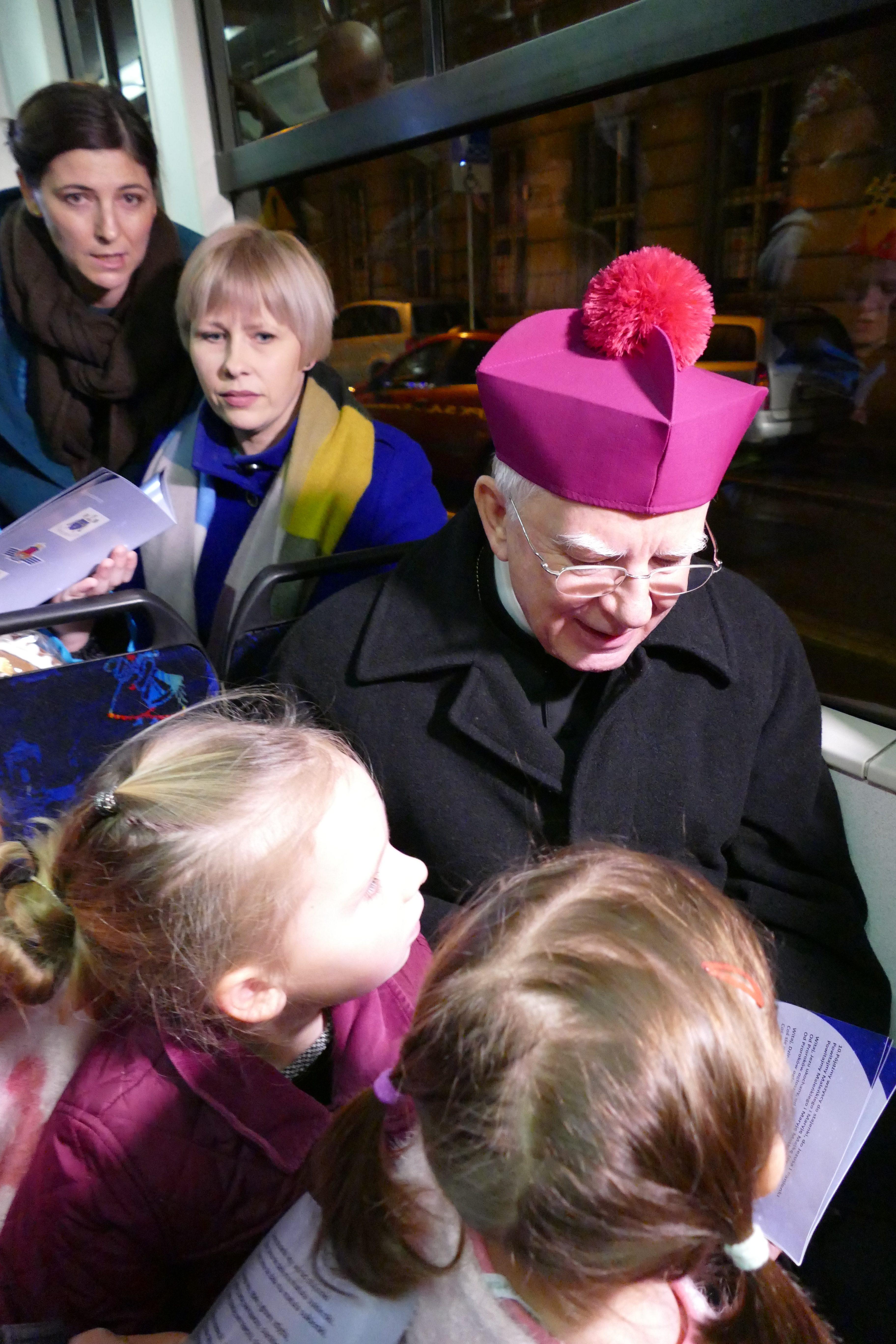 Wspólne kolędowanie w świątecznym tramwaju MPK