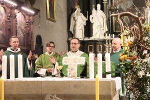 Wspólnoty charyzmatyczne są wielkim, choć niedocenianym, bogactwem Kościoła