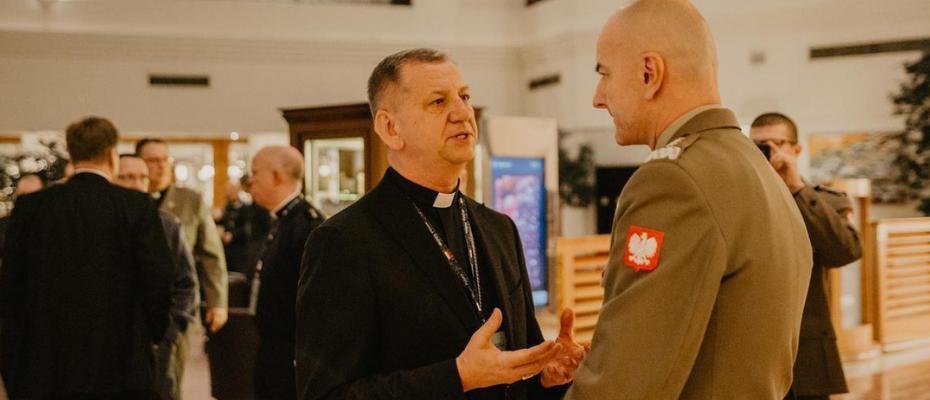 Bp Józef Guzdek z okazji 100-lecia Biskupstwa Polowego: fundamentem silnej armii są wartości moralne! (wywiad)
