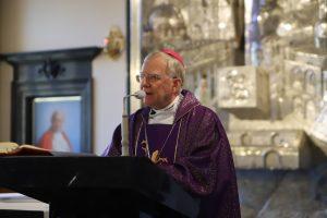 Jesteście strażnikami Papieskiego ducha. Spotkanie Metropolity z Fundacją Szlaki Papieskie JPII