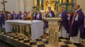 """25 lat Parafialnego Zespołu Caritas """"Betania"""" w Myślenicach."""