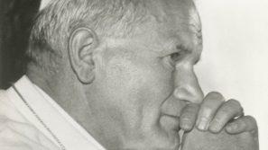 Kard. Stanisław Dziwisz: Jan Paweł II apostołem wolności i pokoju