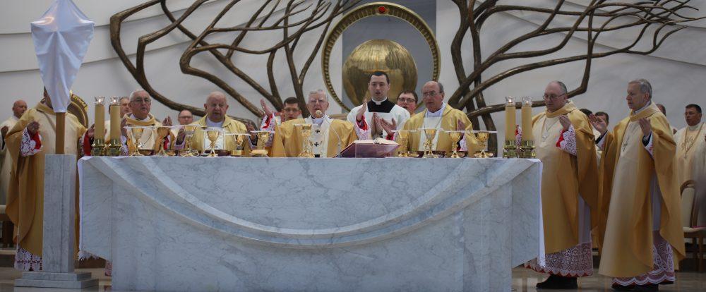 Konieczne jest ukazanie pełnej prawdy o Kościele. Msza Krzyżma św. w Sanktuarium Bożego Miłosierdzia w Łagiewnikach