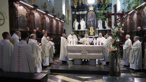 Abp Marek Jędraszewski: Mamy być świadkami Chrystusa, który zmartwychwstał. Msza św. w ramach dorocznego spotkania historyków Kościoła