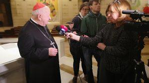 Kard. Stanisław Dziwisz: Jan Paweł II zapisał się na zawsze w historię świata, Kościoła, naszej Ojczyzny i Krakowa.