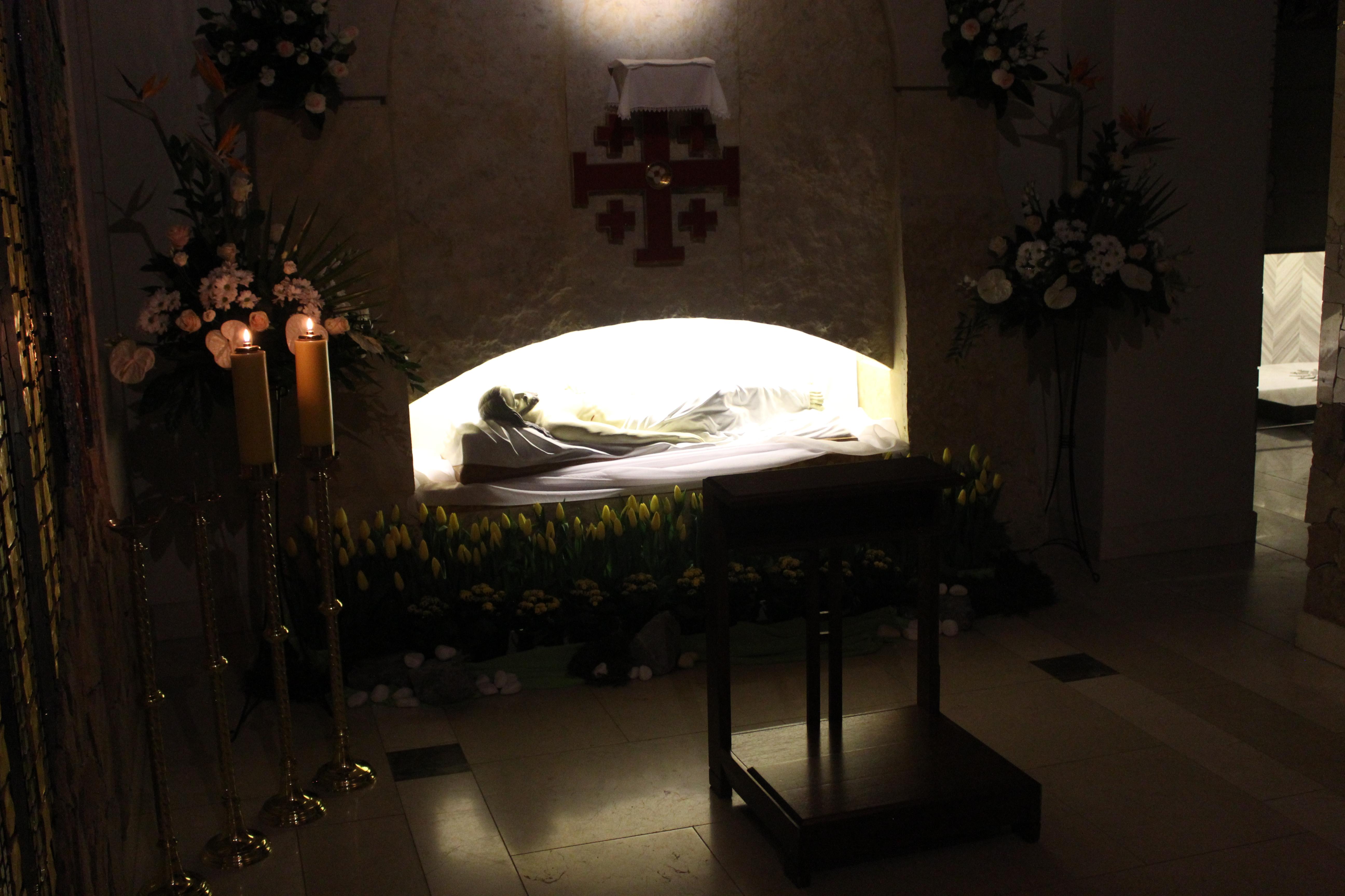 Krzyż uczy nas miłości. Liturgia Męki Pańskiej w Sanktuarium św. Jana Pawła II w Krakowie