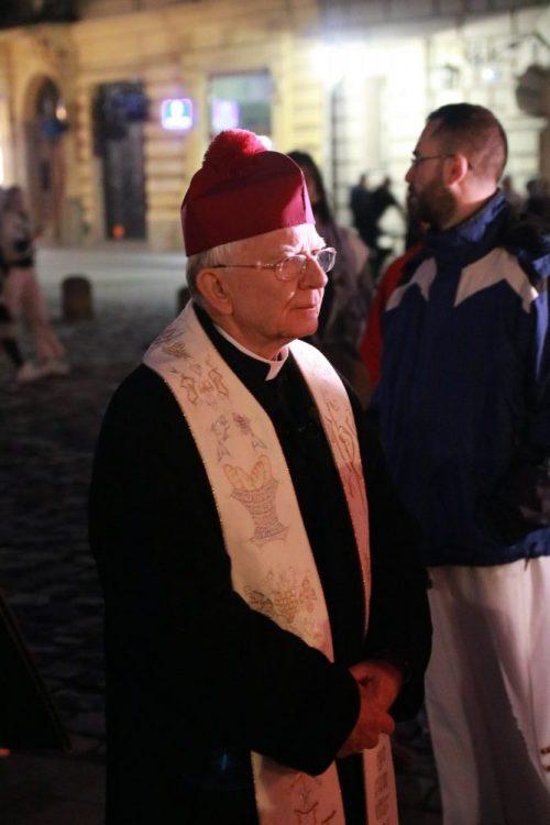 Podążając ścieżkami Zmartwychwstałego Jezusa ze św. Janem Pawłem II.  Akademicka Droga Światła