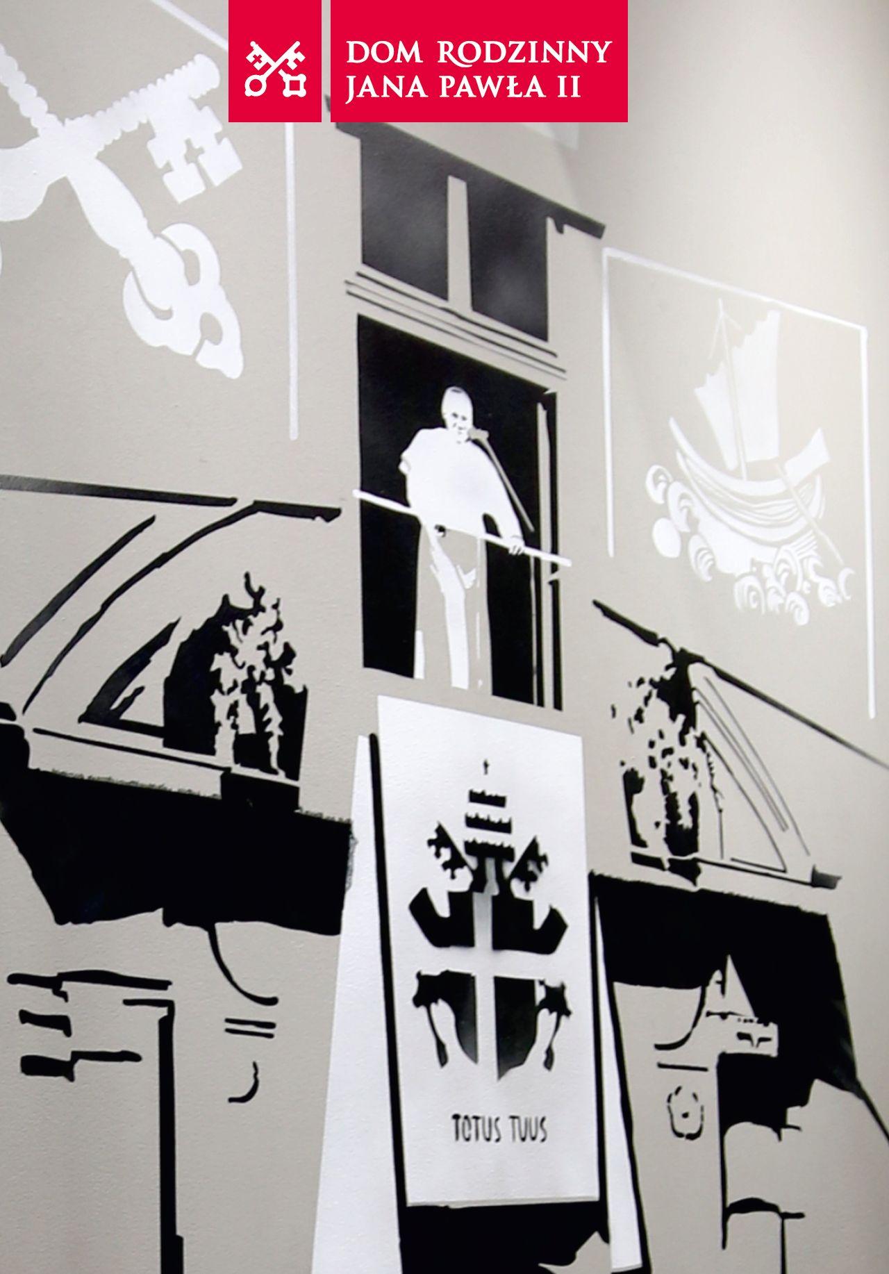 """""""1979. Światło w mroku"""". Wystawa krakowskiego IPN w domu rodzinnym Jana Pawła II"""