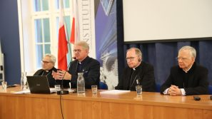 Abp Marek Jędraszewski: Człowiek odnajduje się w Chrystusie.
