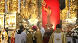 Święte Imię Jezus. Peregrynacja relikwii św. Bernardyna ze Sieny