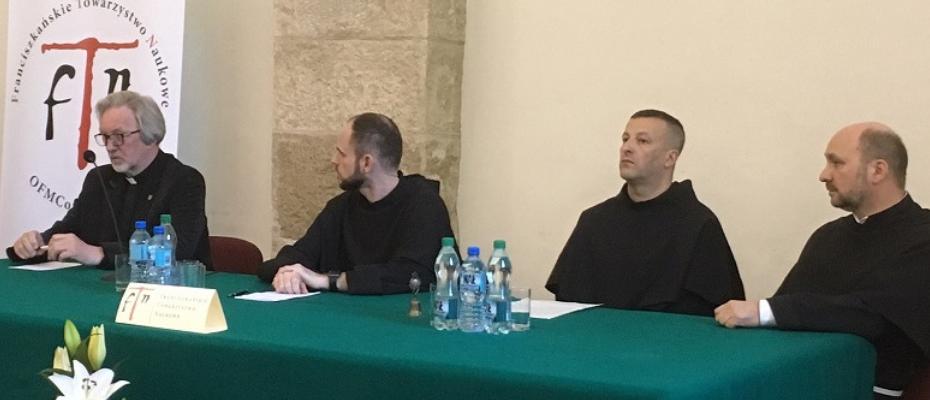 Sympozjum o Krzyżu w tradycji franciszkańskiej