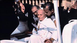 """""""Nie wiem, kto włożył pistolet w rękę strzelca, wiem jednak, kto zmienił lot kuli"""" 38. rocznica zamachu na Jana Pawła II"""