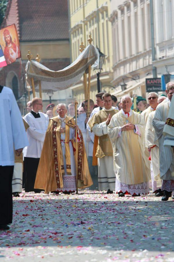 Uczcijmy publicznie Chrystusa. Zaproszenie arcybiskupa Marka Jędraszewskiego na Uroczystość Ciała i Krwi Chrystusa
