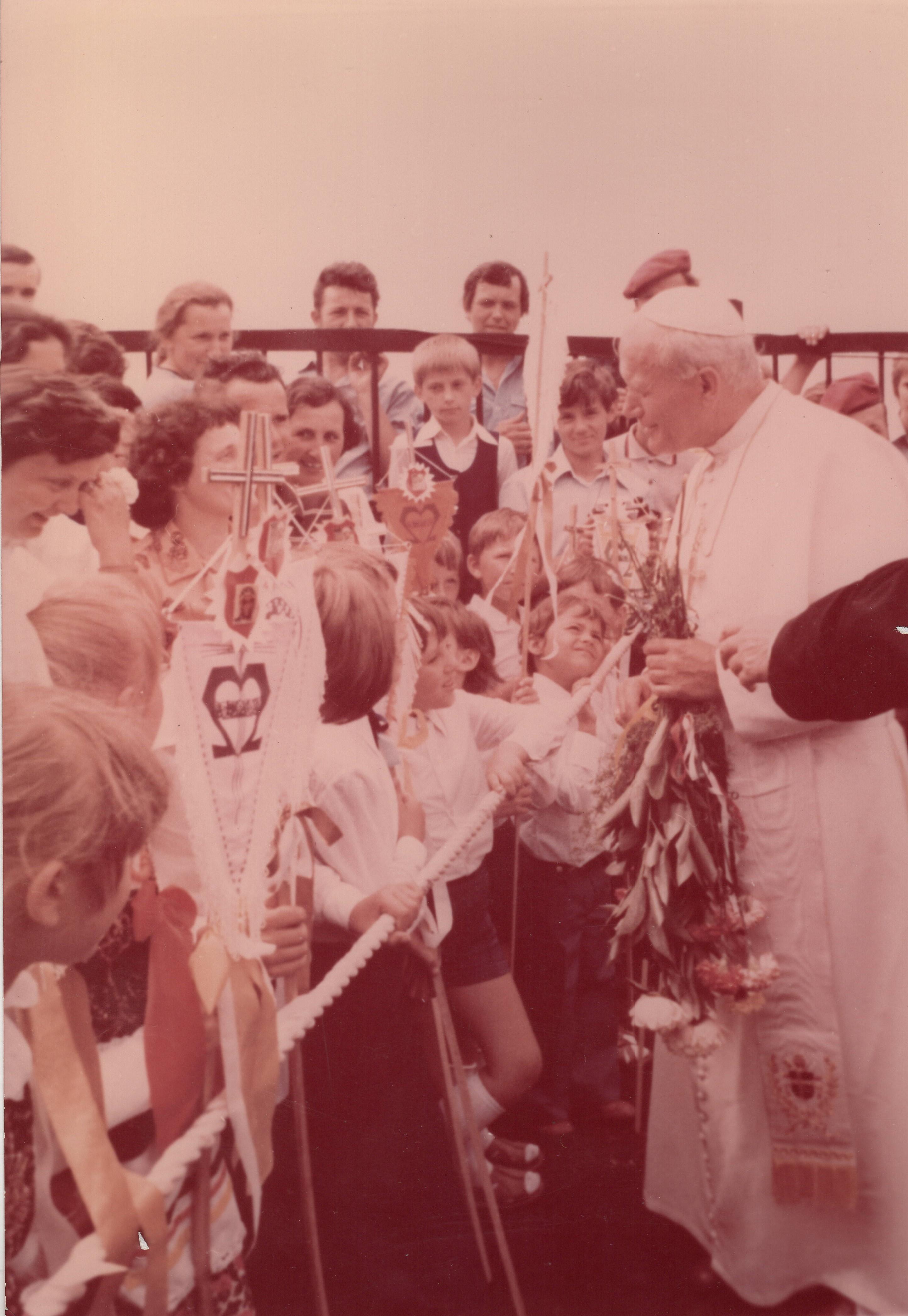 Serce Polaków bije w sercu Matki. III etap pielgrzymki Ojca Świętego do Ojczyny. Częstochowa i Jasna Góra, 4-6 czerwca 1979 roku. Komentarz arcybiskupa Marka Jędraszewskiego