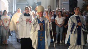 Różo Duchowna, módl się za nami. Eucharystia w Gostyniu