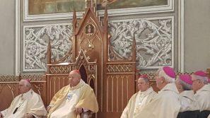 Pasterze według Bożego serca. Jubileusz 50-lecia kapłaństwa biskupa Henryka Tomasika i biskupa Adama Odzimka