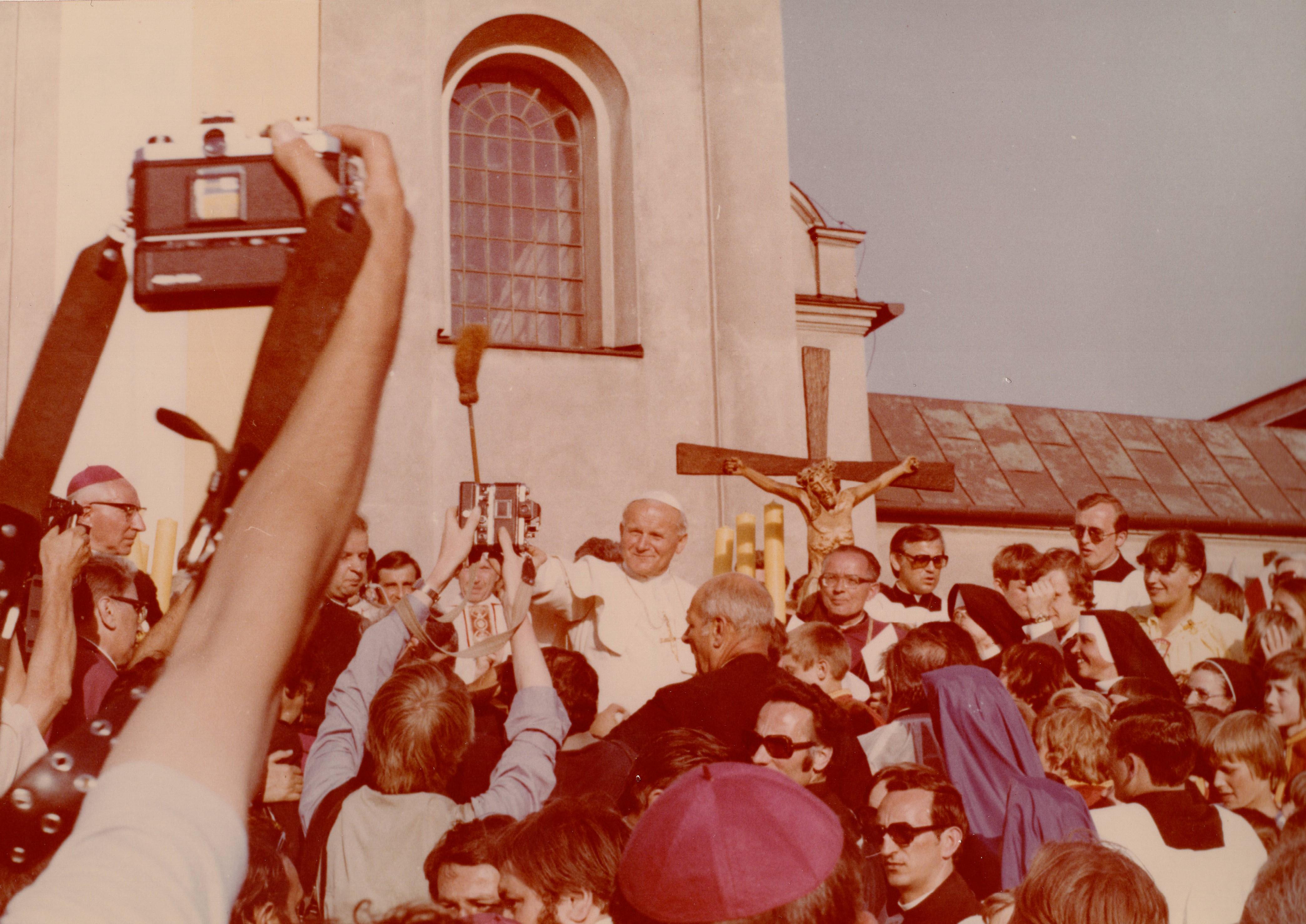 Słowo wypowiadane przez zło nie jest ostatnim słowem ludzkości. IV etap pielgrzymki Ojca Świętego do Ojczyny. Nowy Targ, Kalwaria Zebrzydowska, Wadowice, Oświęcim 7-8.06 1979 roku. Komentarz arcybiskupa Marka Jędraszewskiego.