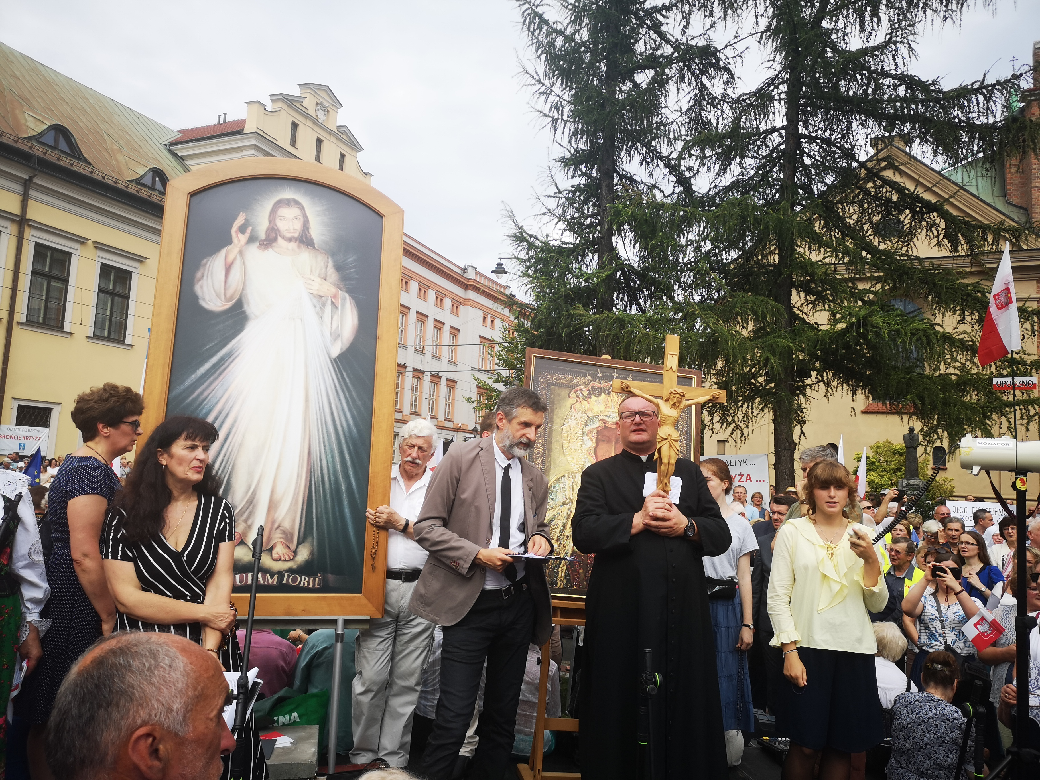 Modlitwa w intencji arcybiskupa Jędraszewskiego