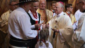Najświętsza Maryja Panna i św. Józef wskazują, jak być prawdziwie wolnym. 100-lecie parafii pw. św. Józefa Oblubieńca w Lubomierzu.