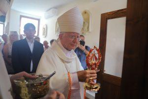 Abp Jędraszewski: Europa, aby przetrwać i ocalić się, potrzebuje Bożego miłosierdzia, którego musimy być świadkami. Relikwie Siostry Faustyny na Węgrzech.