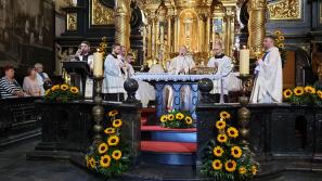 Kardynał i biskupi u Matki Bożej Kalwaryjskiej