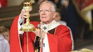 Abp Jędraszewski: Krzyż to znak miłości, który daje życie.