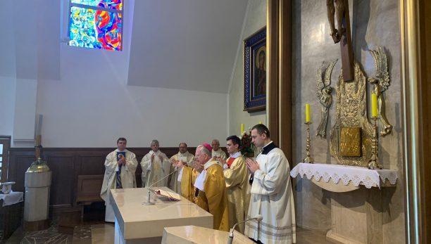 W Kościele rozwija się Boże życie – Konsekracja Kościoła w Bęczarce