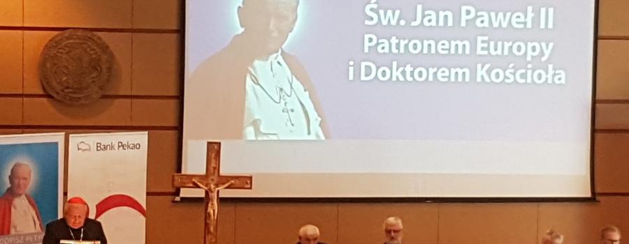 Kard. Dziwisz: Święty Jan Paweł II Wielki patronem Europy i doktorem Kościoła