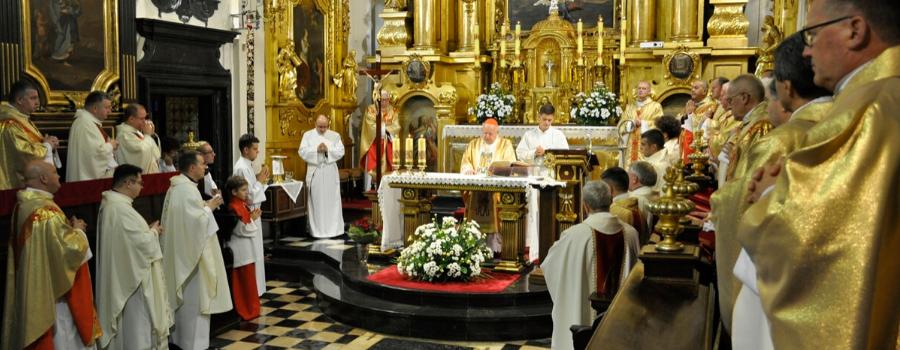 Kard. Dziwisz o 70. rocznicy przybycia ks. Karola Wojtyły do Parafii św. Floriana: skłania nas do wdzięczności Bogu za dar jego osoby i służby, świadectwa i świętości