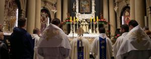 Abp Marek Jędraszewski w Kalwarii Zebrzydowskiej: Bóg jest Ojcem pełnym miłości, stale obecnym w dziejach ludzkości