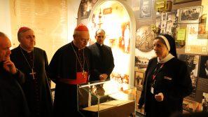 Kard. Dominique Mamberti i abp Salvatore Pennacchio z wizytą w Domu Rodzinnym Ojca Świętego