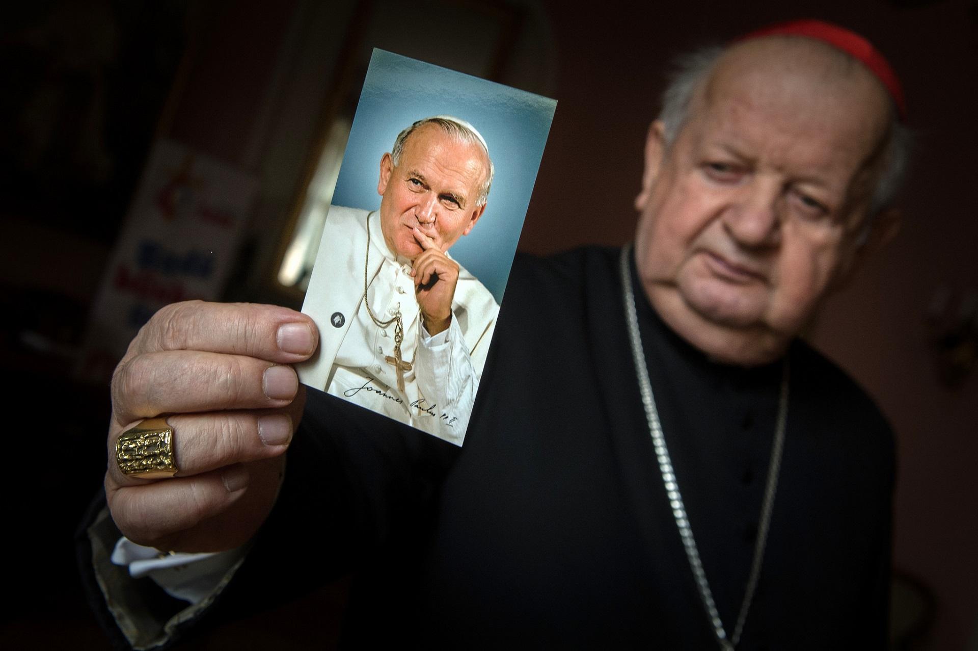 Poświęcenie ołtarza św. Jana Pawła II w parafii Kiskunhalas